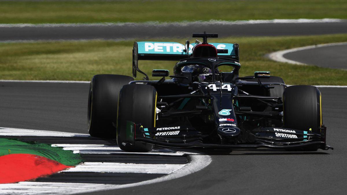 Lewis Hamilton (Mercedes) im Rennen in Silverstone