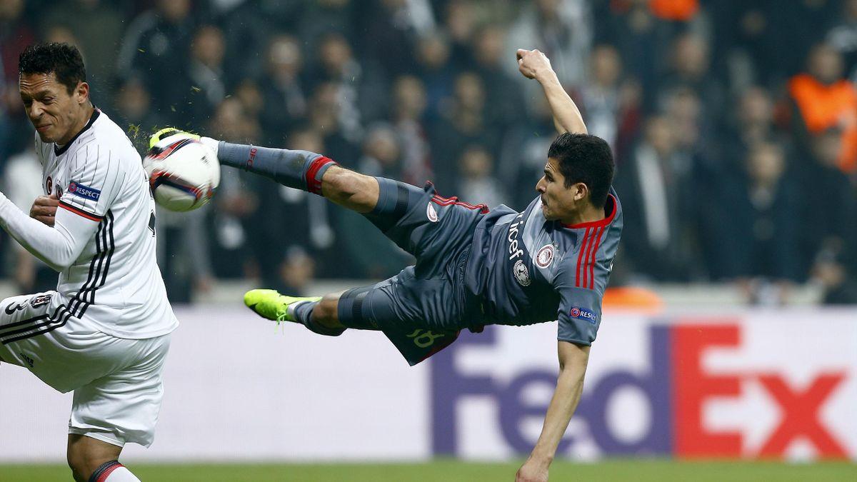 Football Soccer- Besiktas v Olympiacos - UEFA Europa League Round of 16 Second Leg - Vodafone Arena, Istanbul, Turkey - 16/3/17 Olympiacos' Tarik Elyounoussi scores