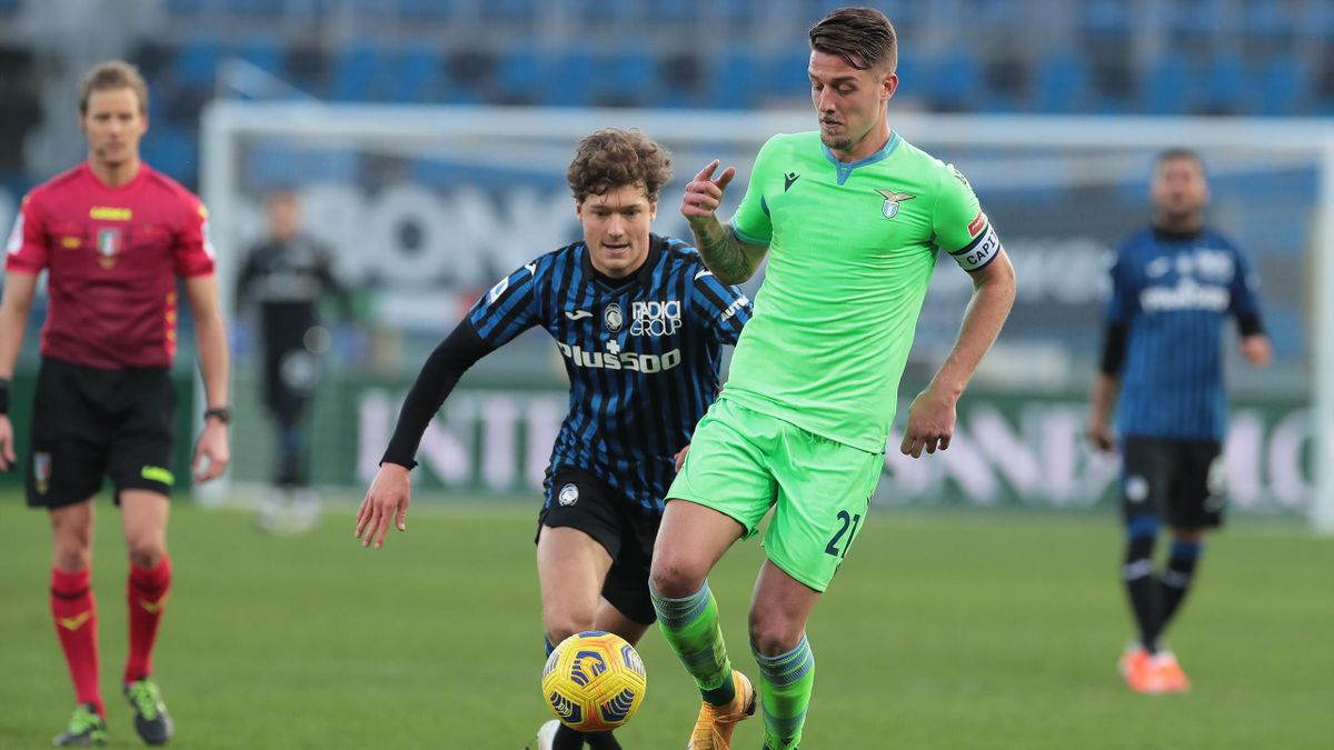 Milinkovic-Savic contro Lammers in Atalanta-Lazio