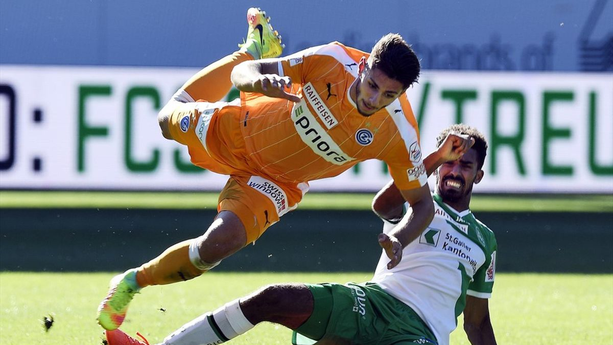 İsviçre Süper Ligi'nde St. Gallen Grasshoppers'ı 2-1 mağlup etti