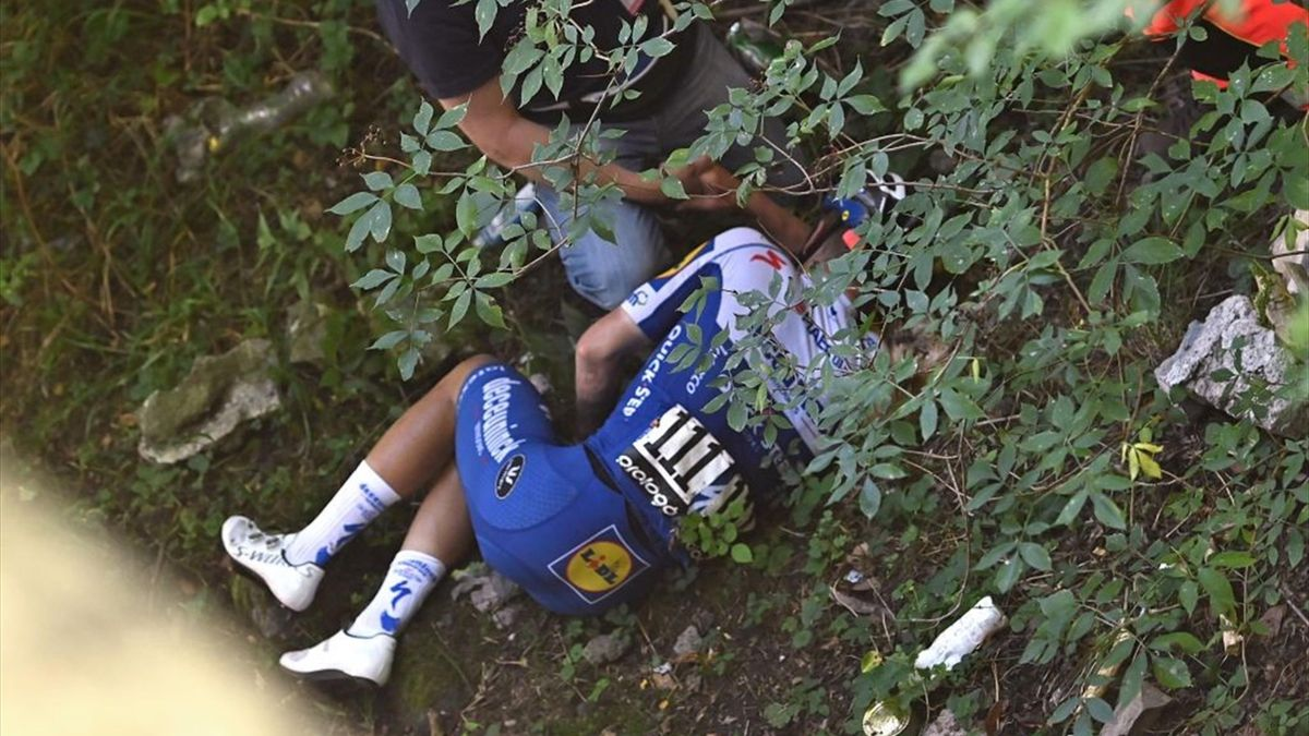 Remco Evenepoel après son énorme chute