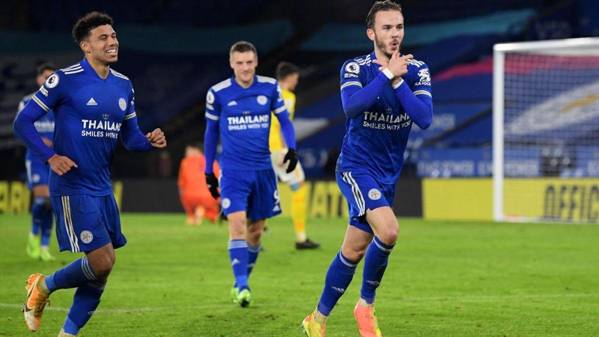 James Maddison se bucură pentru gol pe care Leicester City l-a marcat împotriva lui Brighton