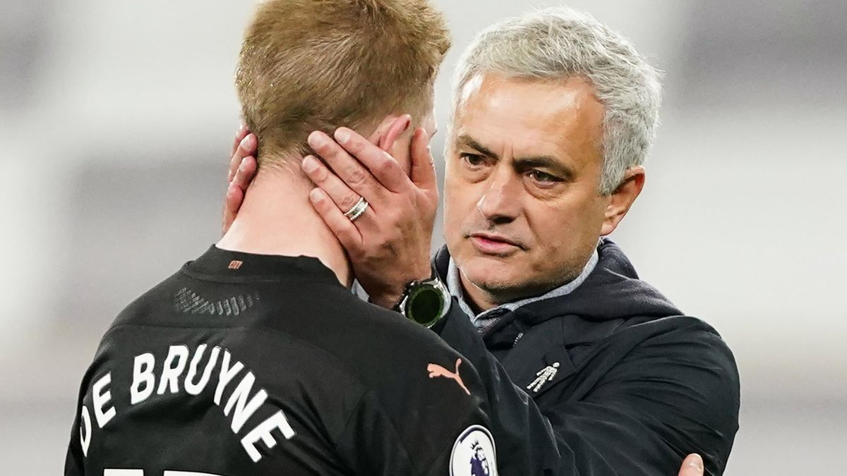 Jose Mourinho and Kevin De Bruyne