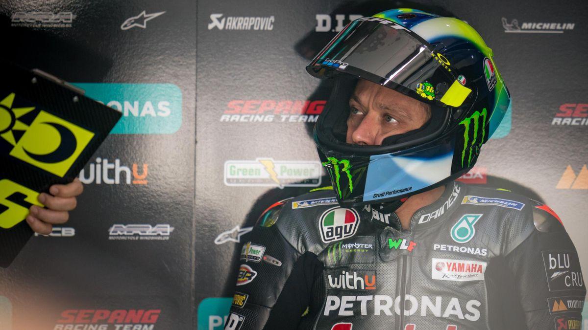 Valentino Rossi dopo il 4° tempo delle qualifiche è precipitato in gara chiudendo fuori dalla top ten la sua prima gara con Petronas, Getty Images