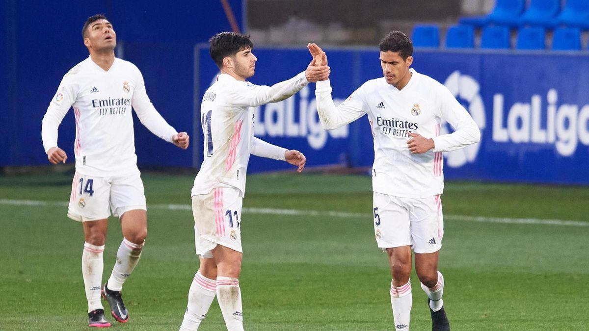 Real Madrid jubelt über den Sieg bei Huesca