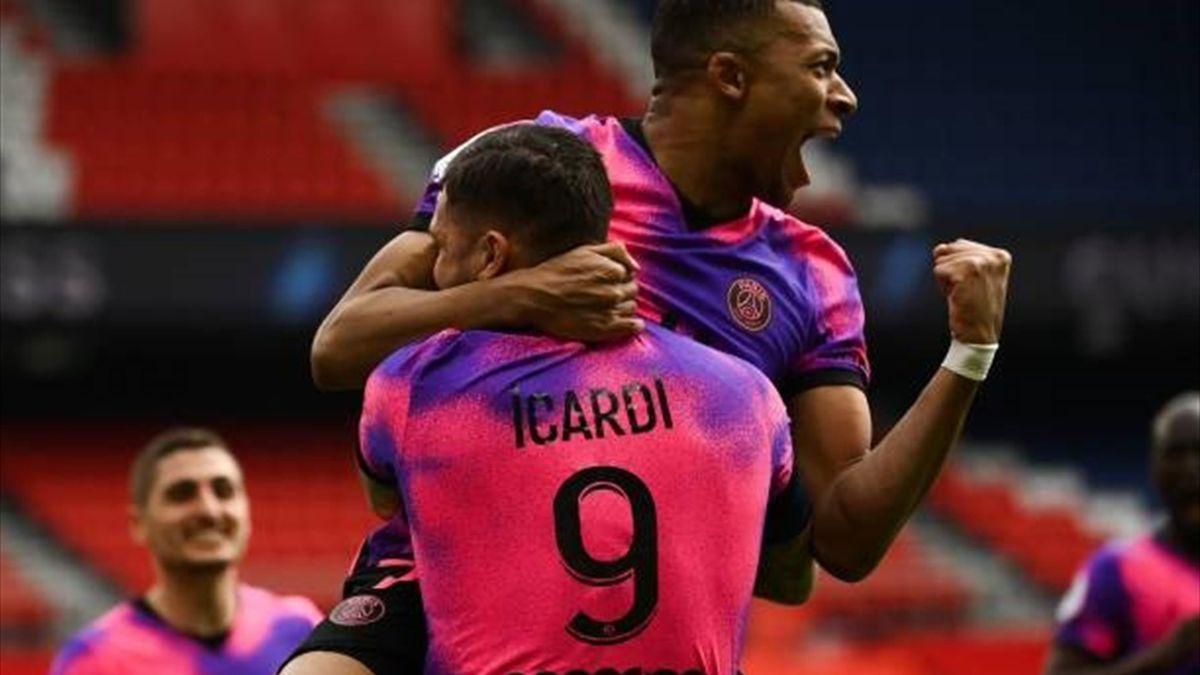 Mbappe și Icardi, sărbătoresc victoria PSG-ului cu St.Etienne