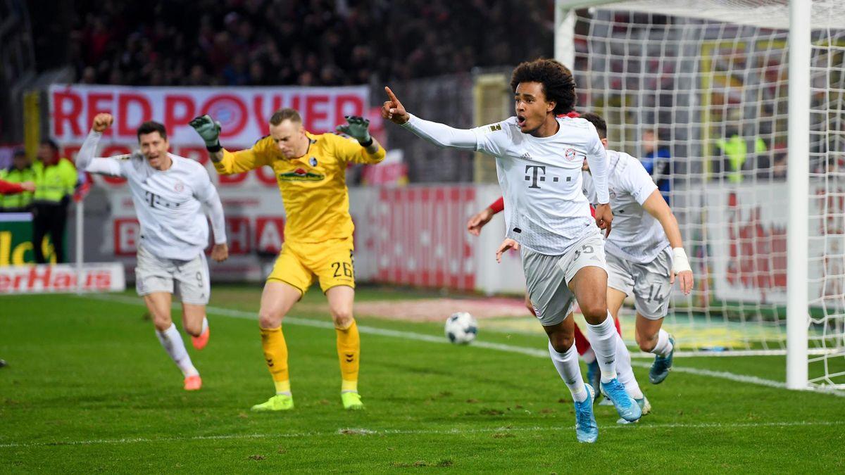 Joshua Zirkee jubelt - SC Freiburg vs. FC Bayern München