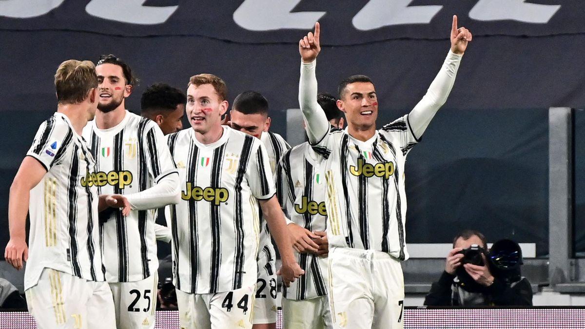 Cristiano Ronaldo (rechts) traf gegen Cagliari gleich doppelt