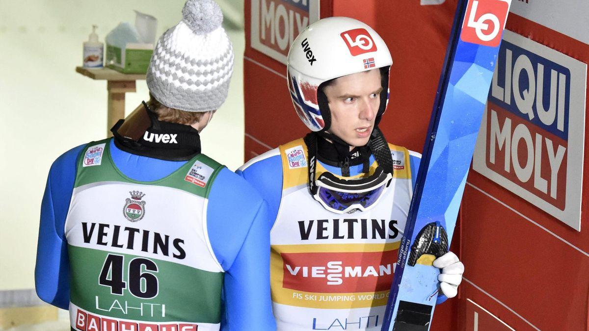 Halvor Egner Granerud (rechts) war nach seinem verpassten Sieg in Lahti stocksuaer