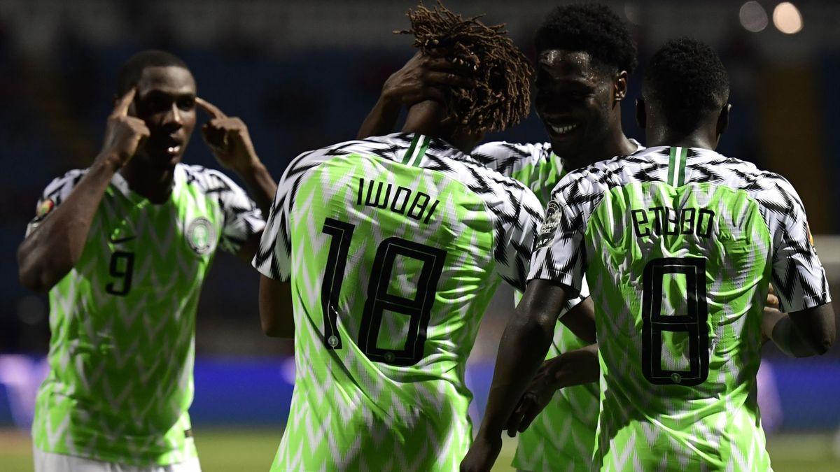 Alex Iwobi celebrates