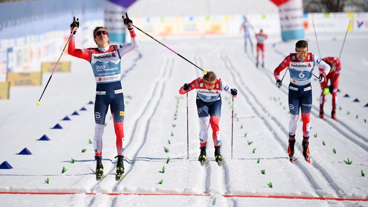 Johannes Hoesflot Klaebo, Erik Valnes und Haavard Solaas Taugboel haben im Klassiksprint bei der WM in Oberstdorf für einen norwegischen Dreifachsieg gesorgt