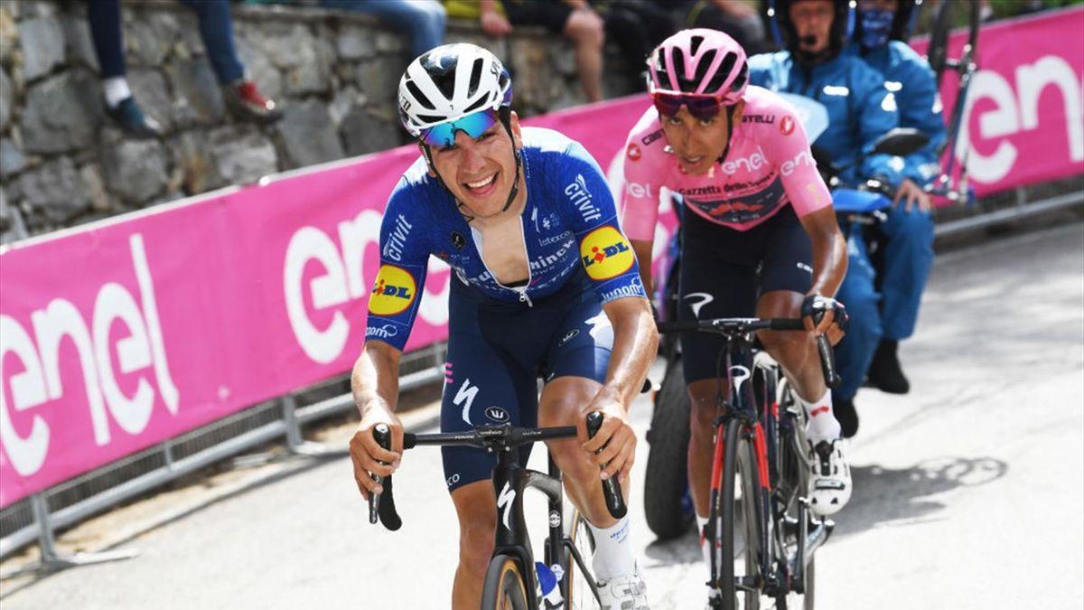 Egan Bernal e João Almeida sulla salita di Alpe di Mera - Giro d'Italia 2021