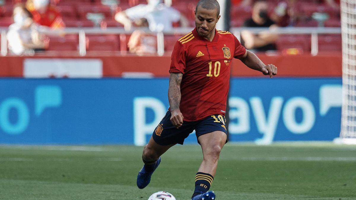 Liverpools Thiago Alcántara ist einer der Führungsspieler im spanischen Team