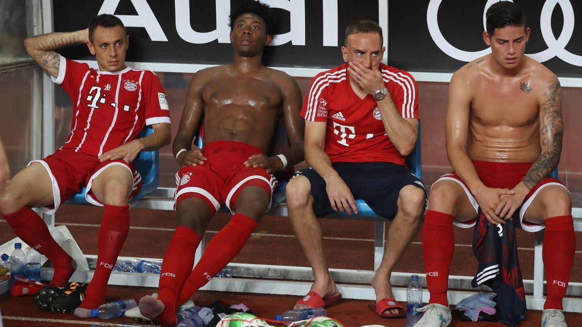 Platter FC Bayern: Rafinha, David Alaba, Franck Ribéry, James Rodríguez