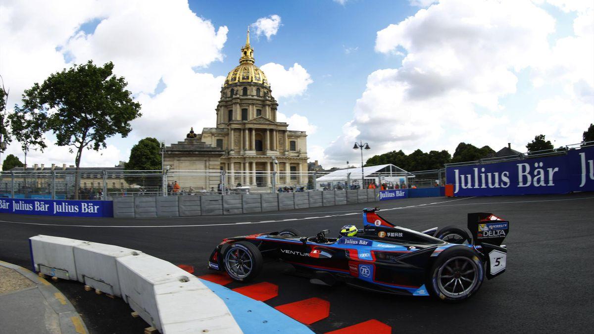Tom Dillmann (FRA), Venturi, Spark-Venturi, Venturi VM200-FE-02 during the FIA Formula E Championship Paris ePrix on May 20, 2017