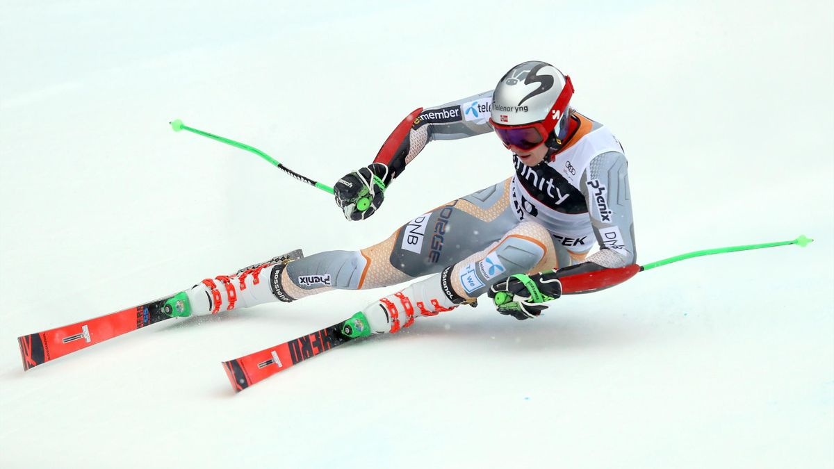 Henrik Kristoffersen of Norway competes on the Birds of Prey course during the Audi FIS Alpine Ski World Cup Men's Giant Slalom on December 08, 2019 in Beaver Creek