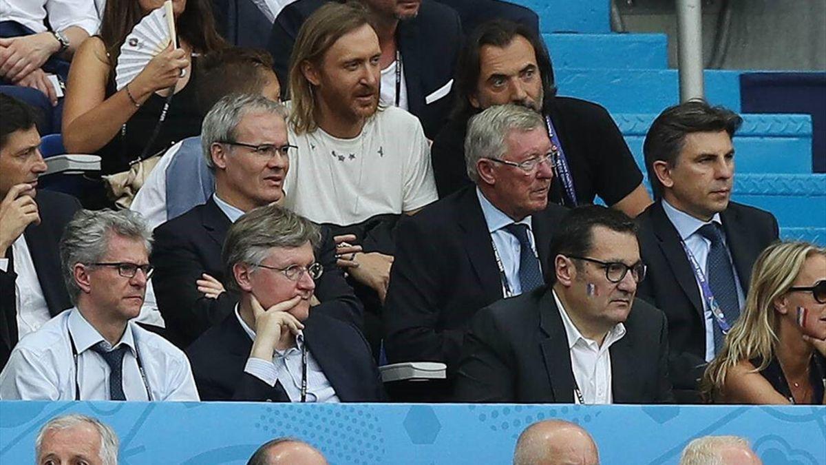 Алекс Фергюсон смотрит финал Евро-2016