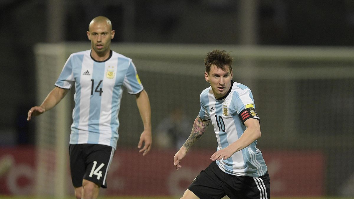 Javier Mascherano et Lionel Messi face à la Bolivie