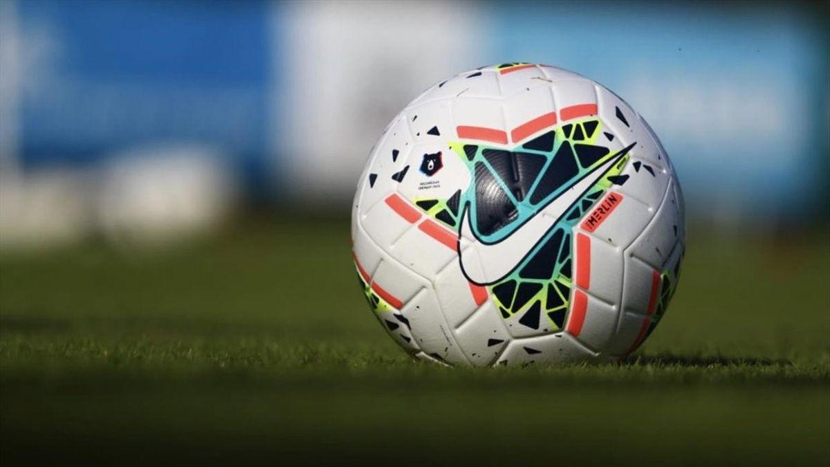 Новый мяч, которым будут играть клубы РПЛ в сезоне-2019/20