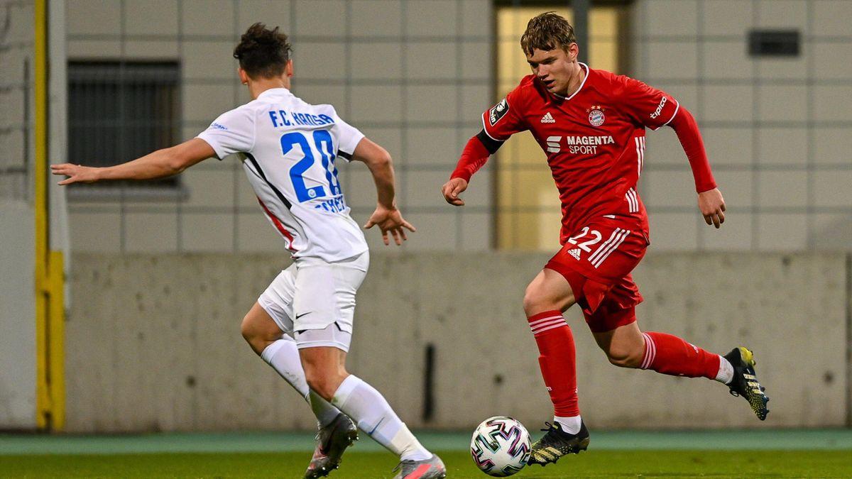 Lasse Günther (rechts) wechselt vom FC Bayern zum FC Augsburg