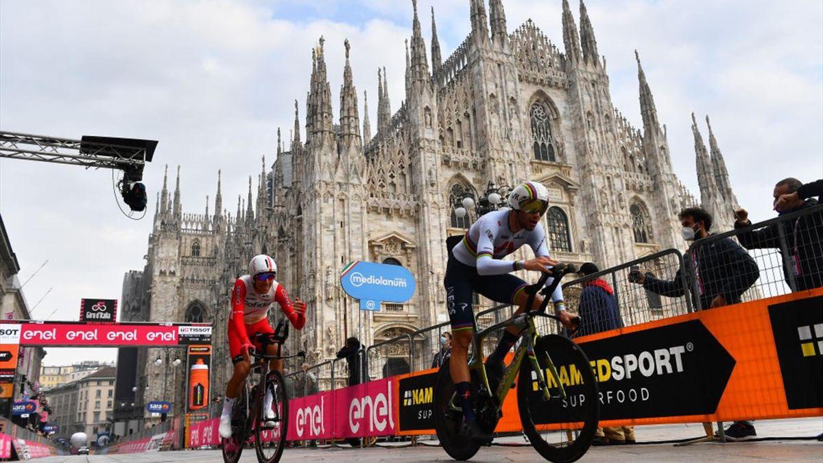 Filippo Ganna nella cronometro di Milano - Giro d'Italia 2020