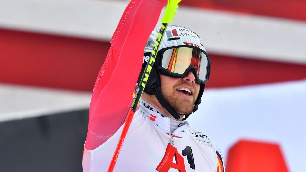 Sebastian Holzmann siegt im Slalom