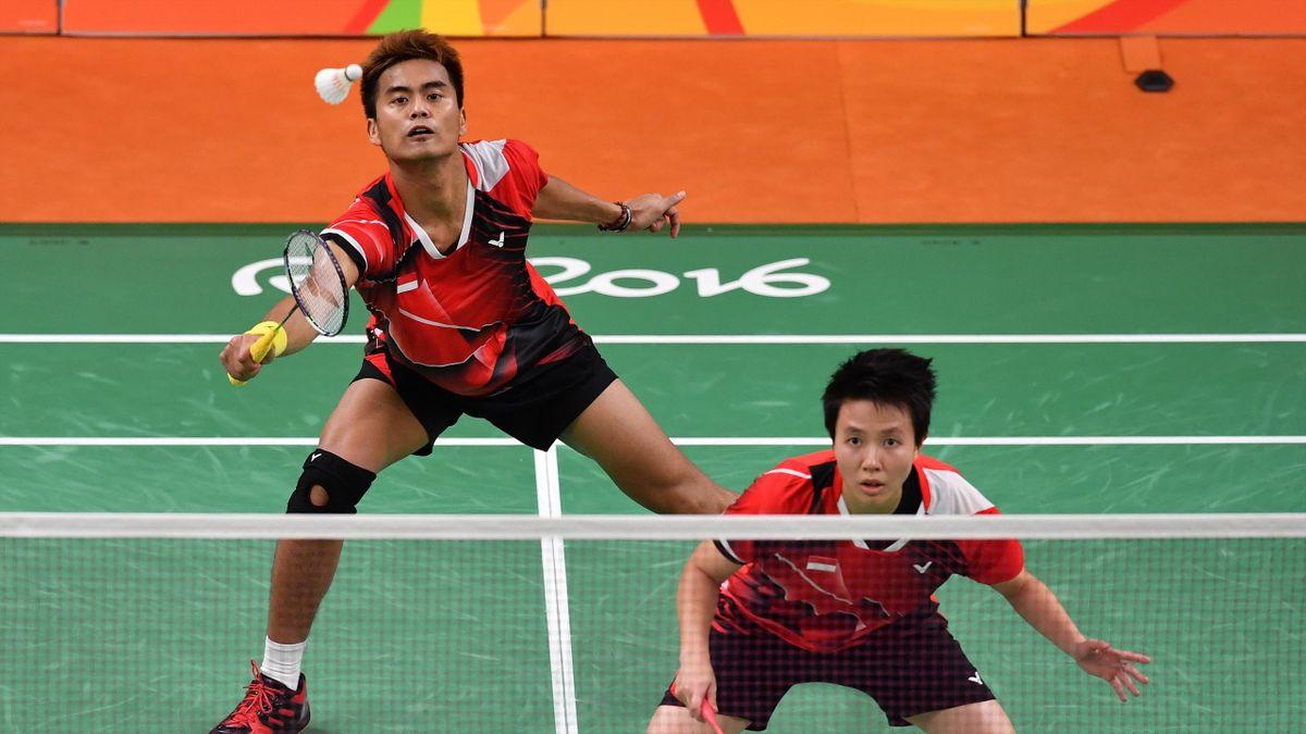 Indonesia's Tontowi Ahmad and Liliyana Natsir win mixed doubles gold