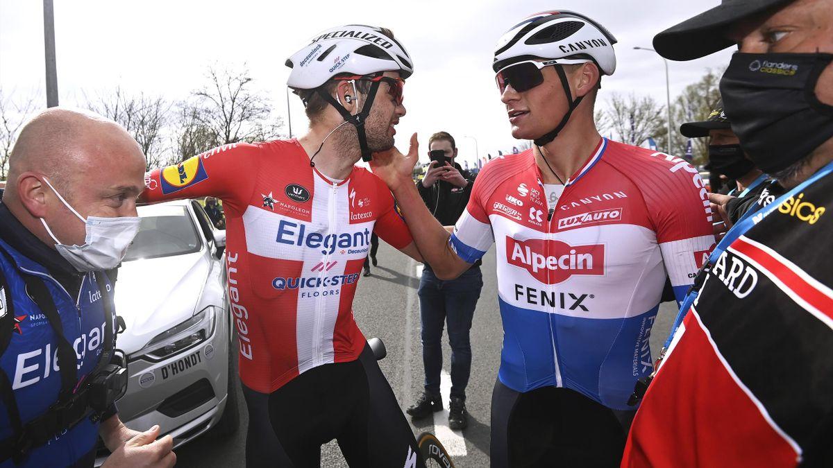 Kasper Asgreen (Deceuninck) y Mathieu van der Poel (Alpecin). Tour de Flandes 2021