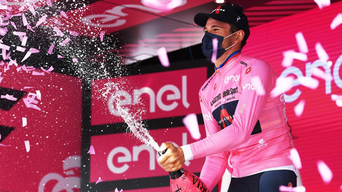 Filippo Ganna sul podio di Torino - Prima tappa Giro d'Italia 2021 - Getty Images