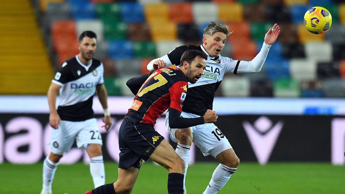Udinese-Genoa, Serie A 2020-2021: Jens Stryger Larsen (Udinese) e Milan Badelj (Genoa)