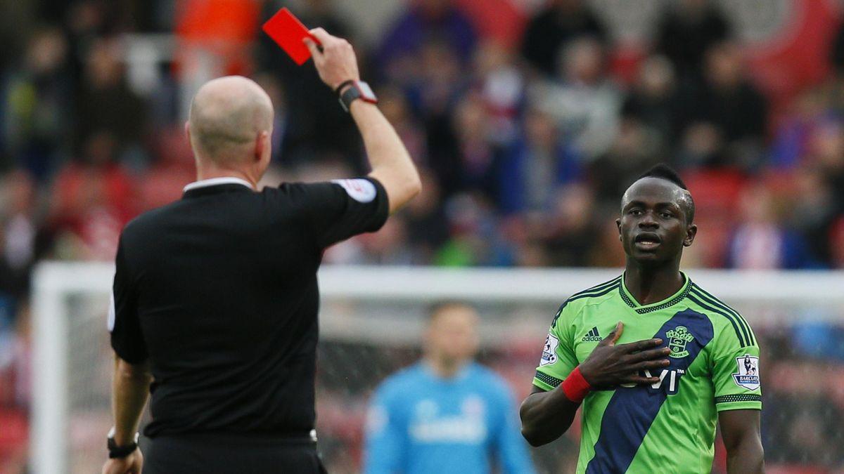 Sadio Mane sent off - Southampton v Stoke