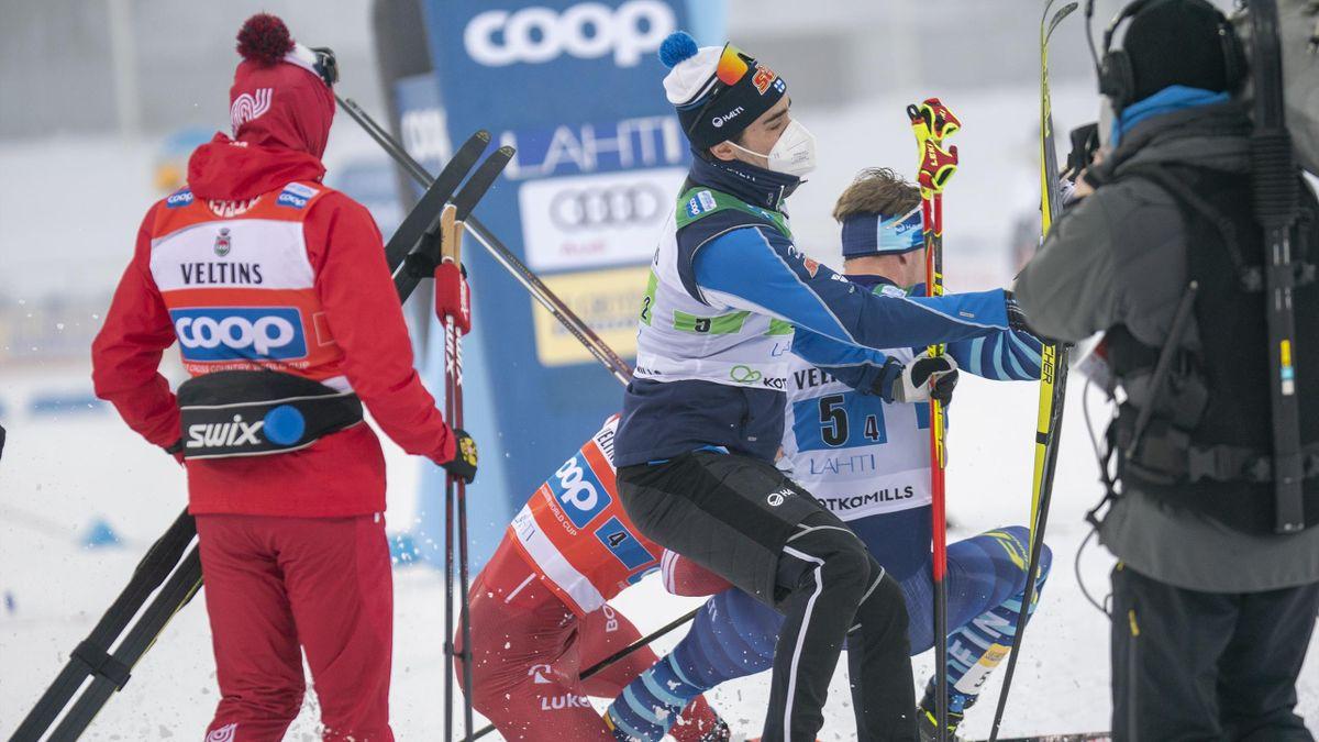 Александр Большунов и Йони Маки – момент стычки после финиша