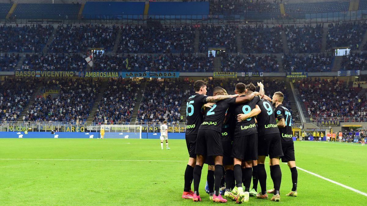 L'Inter Milan fête un but face à Bologne