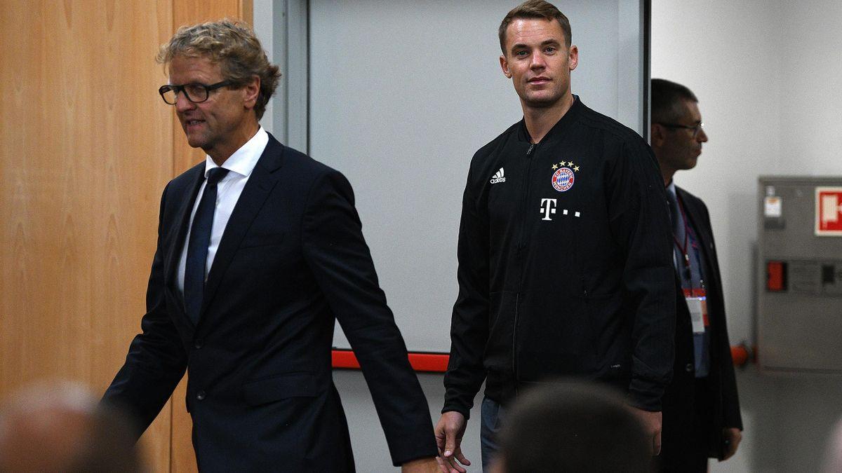 Manuel Neuer (r.)