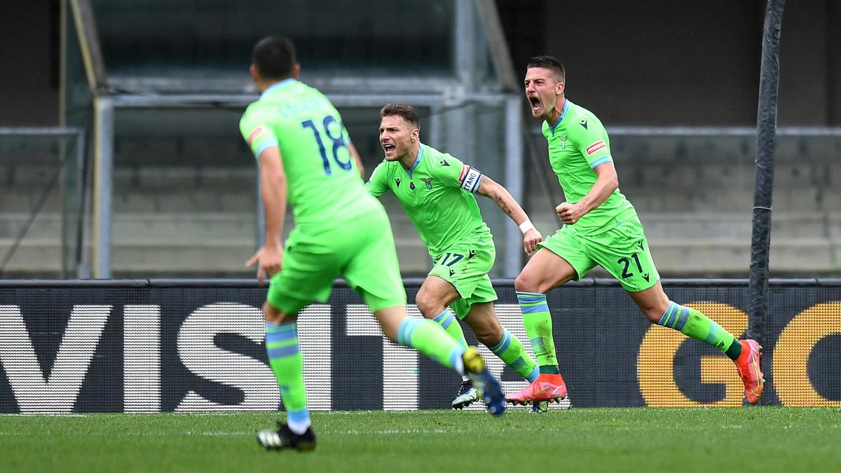 Sergej Milinkovic-Savic esulta dopo il gol vittoria al Bentegodi, Verona-Lazio, Getty Images