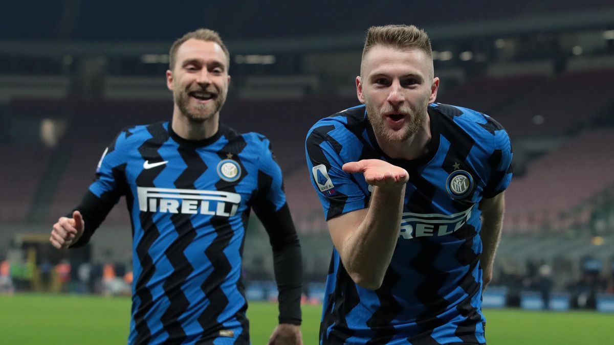 Milan Skriniar esulta dopo il gol del vantaggio contro l'Atalanta, Getty Images