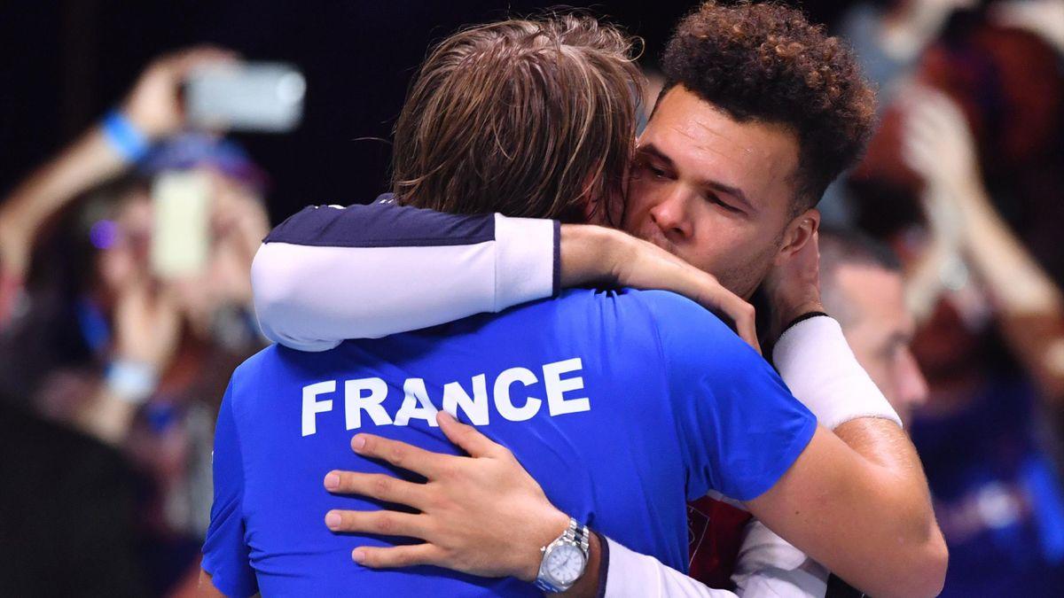 Lucas Pouille et Jo-Wilfried Tsonga lors de la finale de la Coupe Davis 2017.