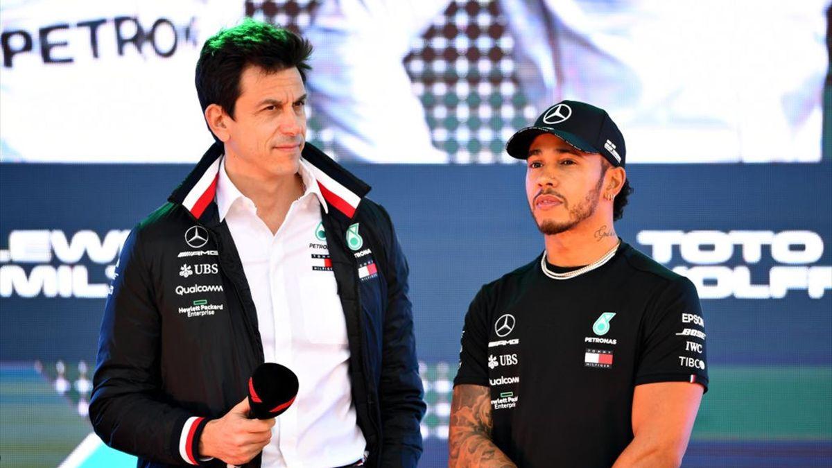 Toto Wolff (l.) und Lewis Hamilton