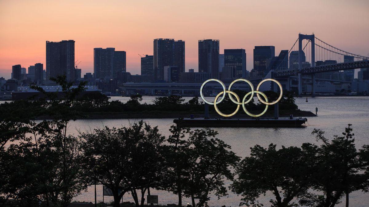 Olympische Ringe am Odaiba Strand
