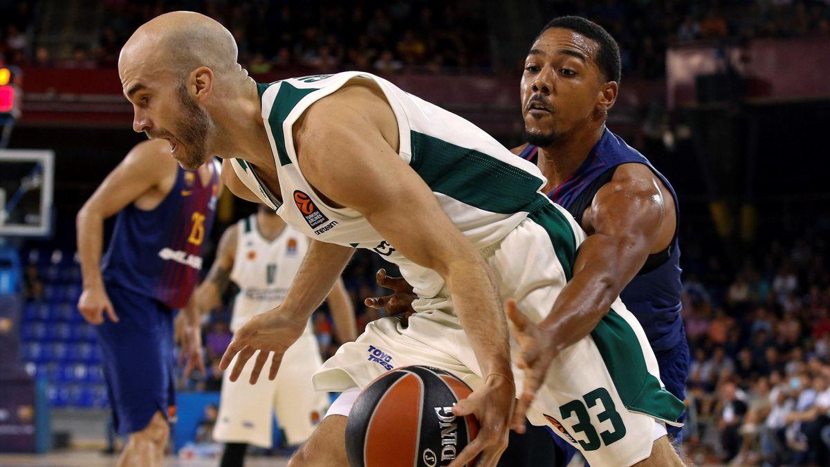 Phil Pressey (Barcelona) aprieta en defensa a Nick Calathes (Panathinaikos) / Euroliga