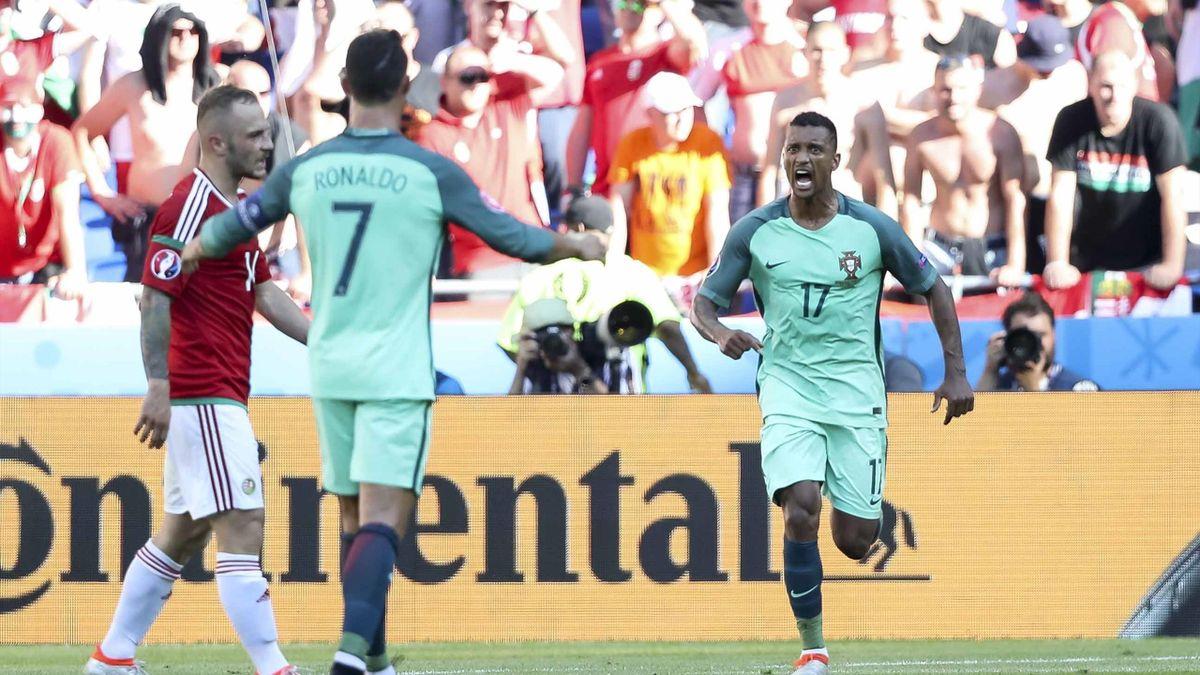 Nani et Cristiano Ronaldo fêtent un but face à la Hongrie.