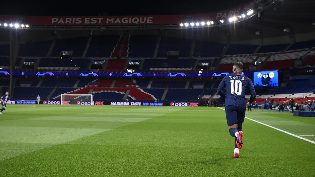 Neymar Jr looks on during the UEFA Champions League round of 16 second leg match between Paris Saint-Germain and Borussia Dortmund at Parc des Princes on March 11, 2020 in Paris, France