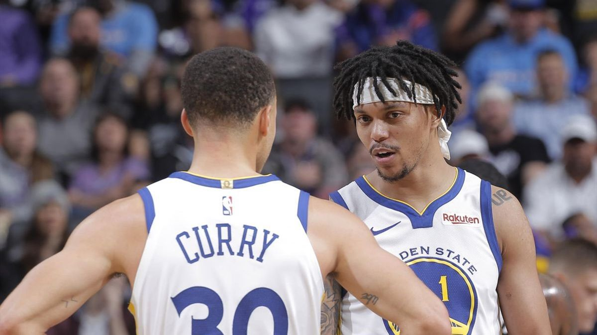 Damion Lee and Stephen Curry | Golden State Warriors