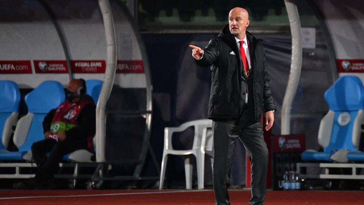 Marco Rossi utasításokat ad a magyar labdarúgó válogatott San Marino elleni 2022-es világbajnoki selejtező mérkőzése során Serravalléban.
