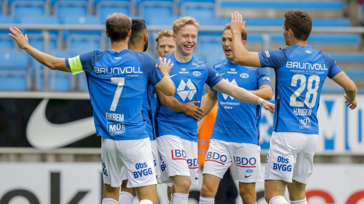 Molde-spillerne jubler. Her fra kampen mot Servette på Aker stadion.