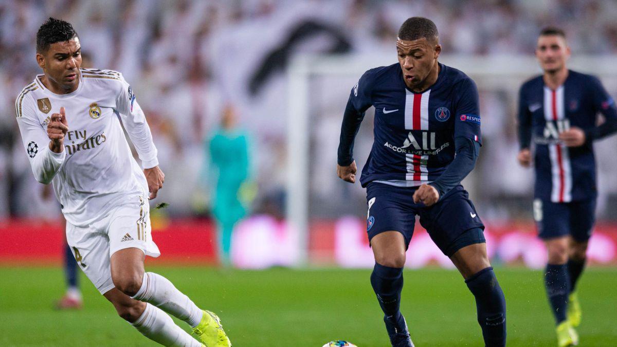PSG-Star Kylian Mbappé (r.) im Duell mit Casemiro von Real Madrid