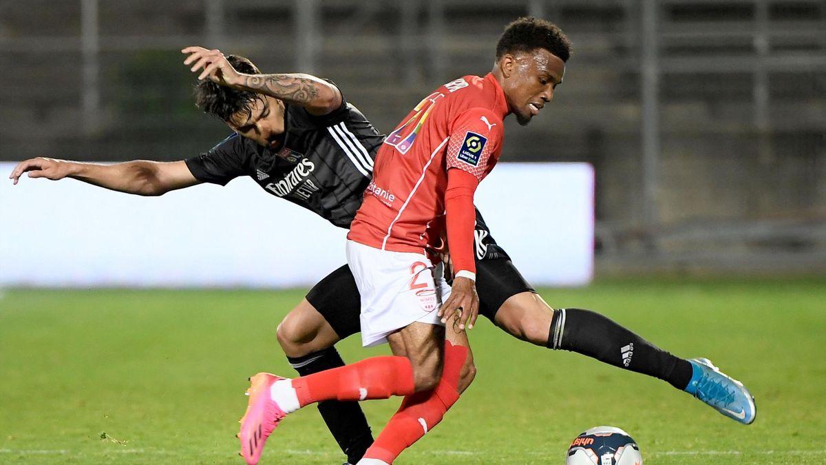 Patrick Burner et Nîmes sont relégués en Ligue 2.