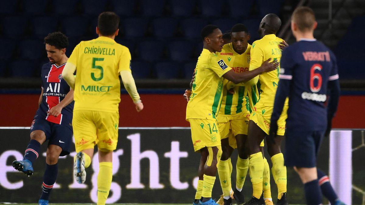 Randal Kolo Muani feiert sein Tor für den FC Nantes bei Paris Saint-Germain