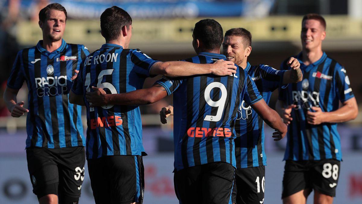 Luis Muriel esulta con i compagni, Atalanta-Udinese, Getty Images