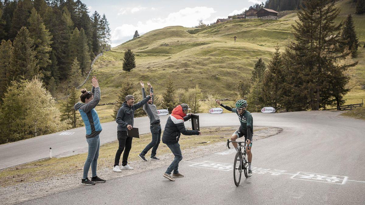 """Emanuel Buchmann freut sich über seinen Rekord bei der """"Everest-Challenge"""" (Bild: Ötztal Tourismus/Rudi Wyhlidal)"""